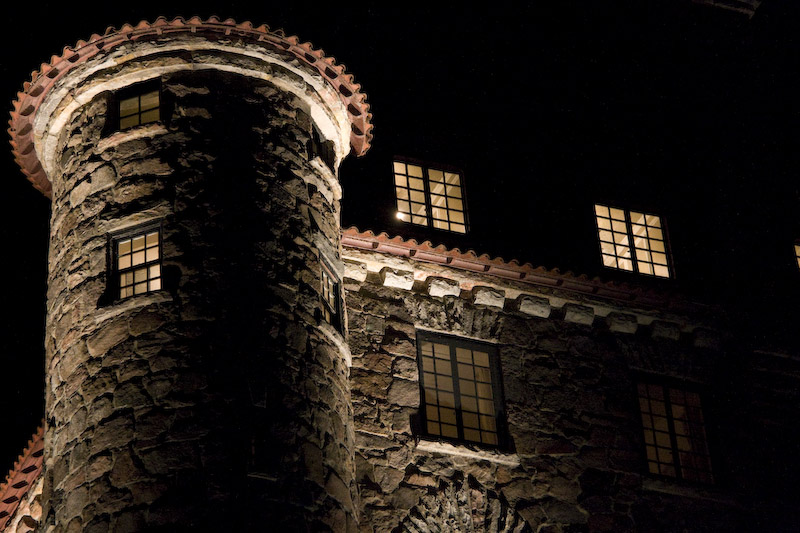 Singer Castle at night